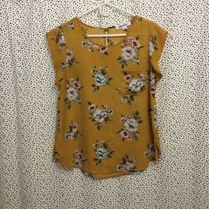 Yellow floral print blouse top w/ flutter sleeve